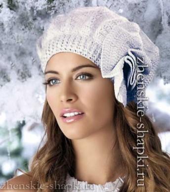 модная модель 2016-2017 белый вязаный берет с цветком