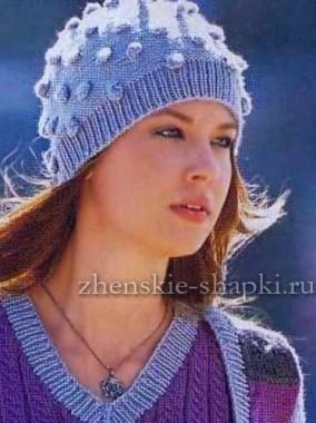 Женская шапка с шишечками