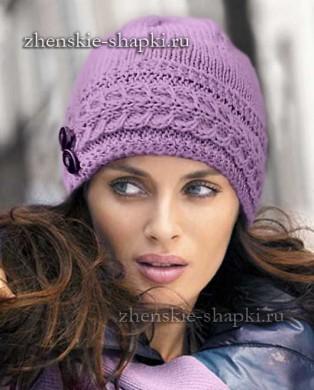 Женская вязаная шапка спицами